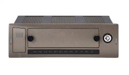 Автомобильный видеорегистратор RVi-RM04G